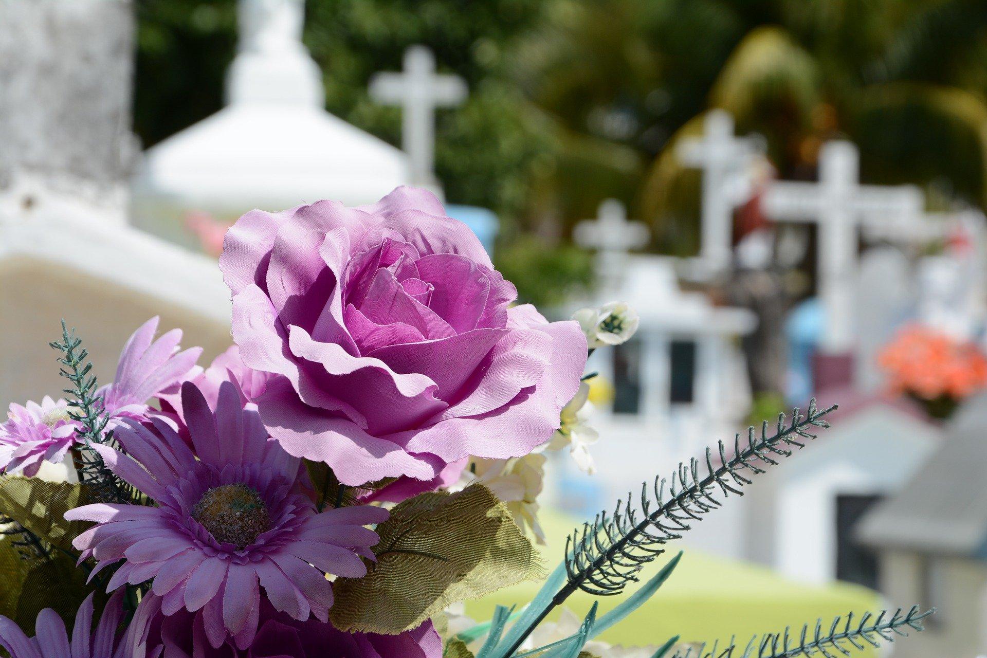 Organizacja i przebieg pogrzebu świeckiego